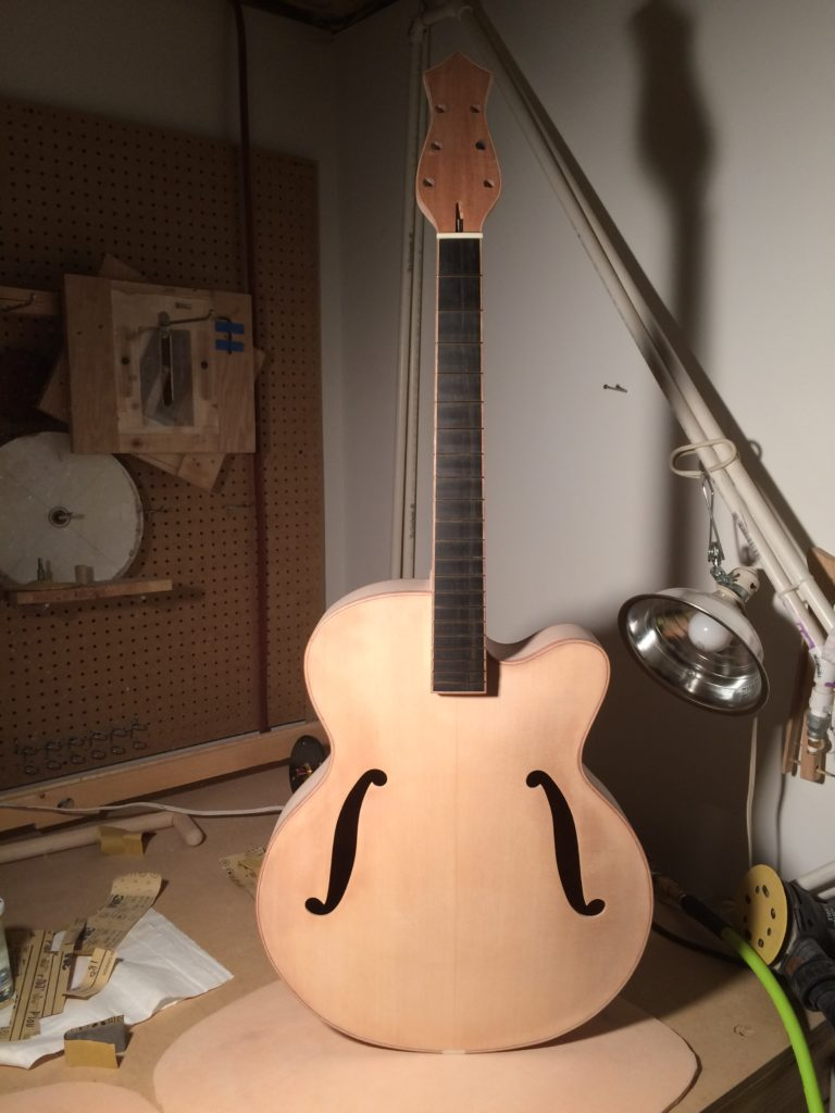 6 String Sapele Binding